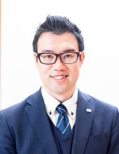 安達 裕介